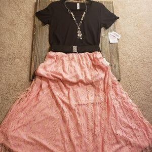 BNWT Gorgeous Lularoe outfit!